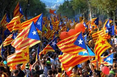 20150903110358-la-bandera-independentista-l-e-54349945032-54028874188-960-639.jpg