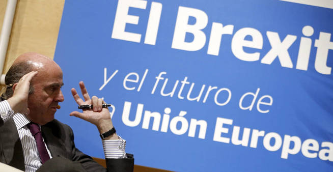 20160624173539-gra363-madrid-20-06-2016-el-ministro-de-economia-en-funciones-luis-de-guindos-durante-su-participacion-en-la-mesa-redonda-sobre-el-brexit-y-el-futuro-de-la-union-europea-organizada-por-expansion-hoy-en-madrid-efe-j-j-guillen.jpg